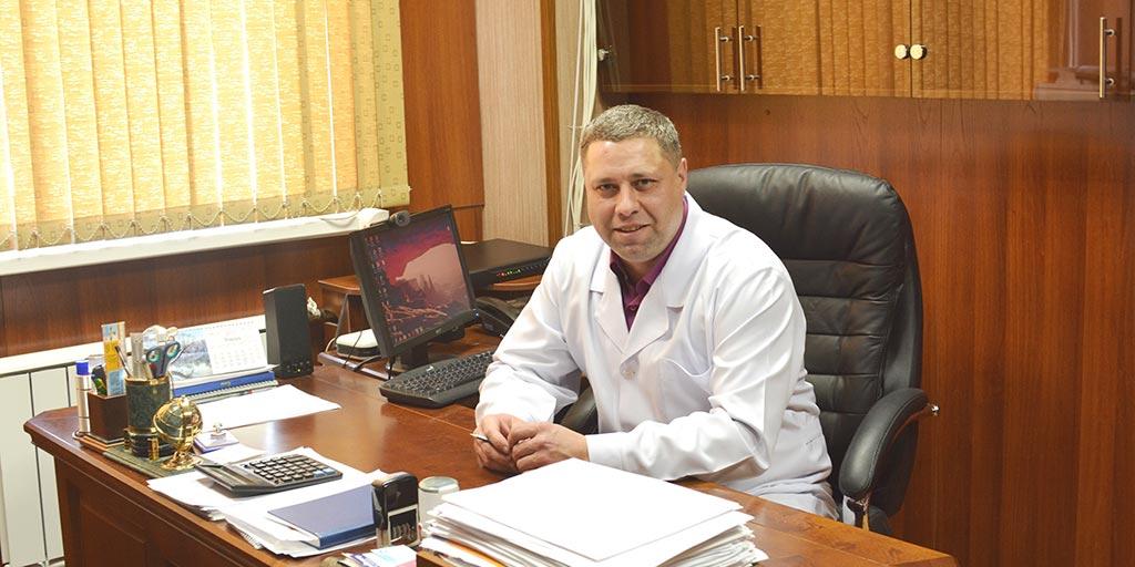 Главный врач Ефремов Виктор Витальевич